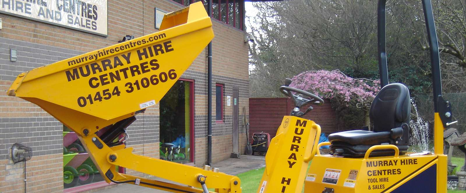 murray hire digger with tipper front